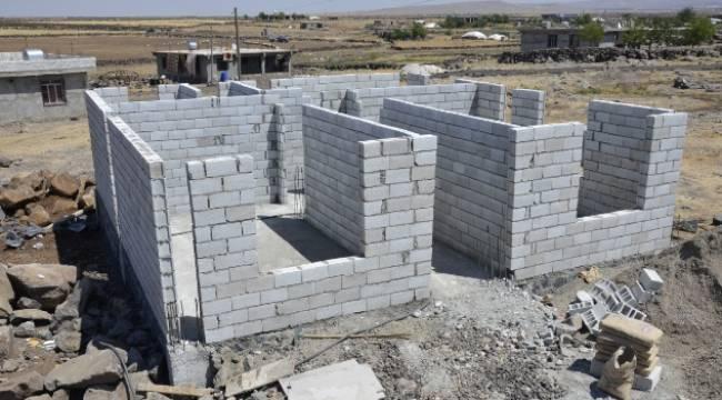 Menek ailesine yeni ev yapılıyor