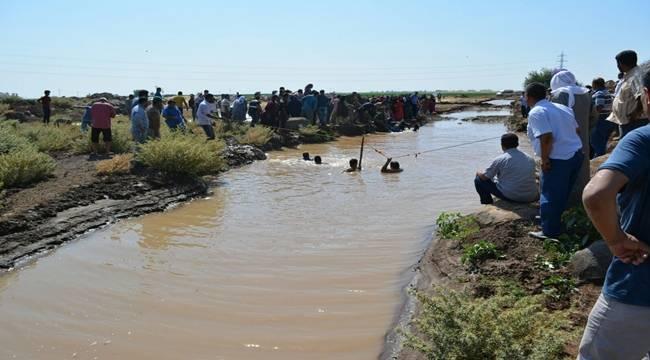 Oyun oynayan çocuklar sulama kanalına düştü, 3 ölü