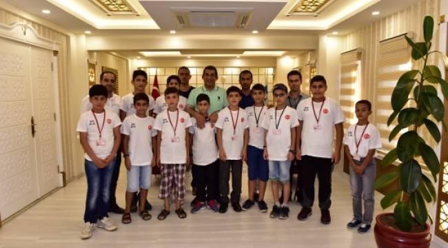Şampiyonlardan Atilla'ya ziyaret