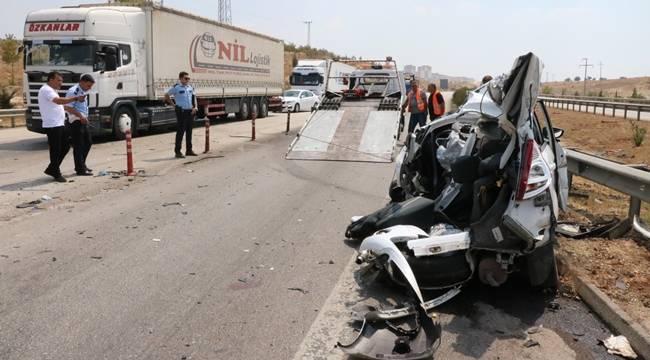 Tırın çarptığı otomobilin sürücüsü öldü