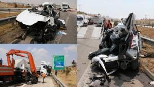 Urfa Plakalı Tır otomobili biçti, 2 ağır yaralı