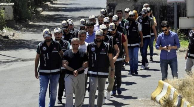 Urfa ve diğer illerde aranan şahıslar Diyarbakır'da yakalandı