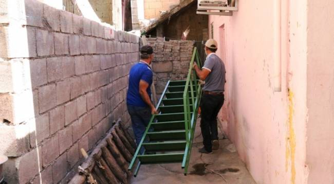 Yaşlı Kadının Merdiven İhtiyacı karşılandı
