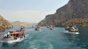 176 Büyük elçi Halfeti ve Rumkale'yi gezdi