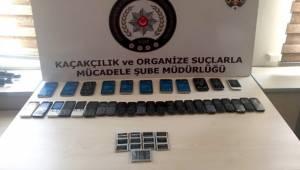 Adıyaman'da 34 adet kaçak cep telefonu yakalandı