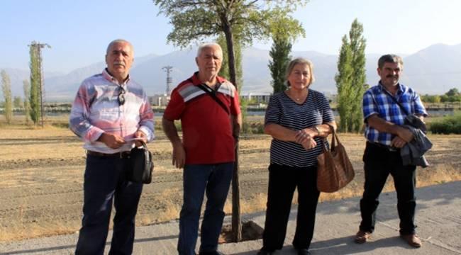 Erzincan'a gitmesi gereken cenaze karıştı Urfa'ya geldi