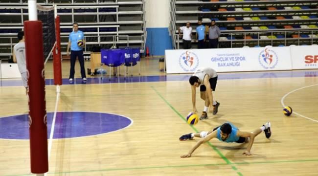 Haliliye voleybol takımı, yeni sezon hazırlıklarını sürdürüyor-Videolu Haber