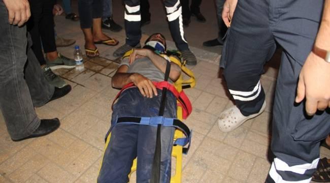 Midibüse çarpan motosikletli yaralandı