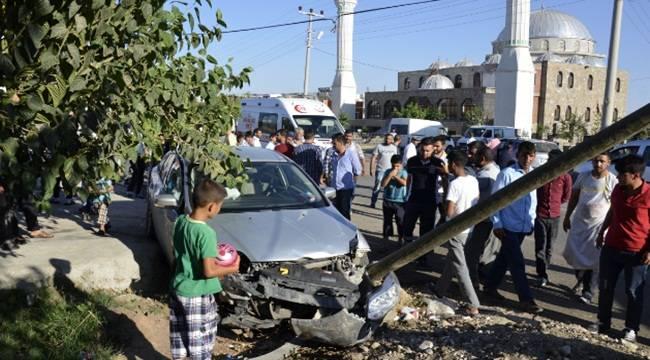 Siverek'te iki otomobil kavşakta çarpıştı, 2 yaralı
