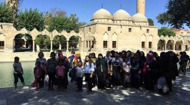 Türkoğlu ilçesinin kadınları Şanlıurfa'yı Gezdi