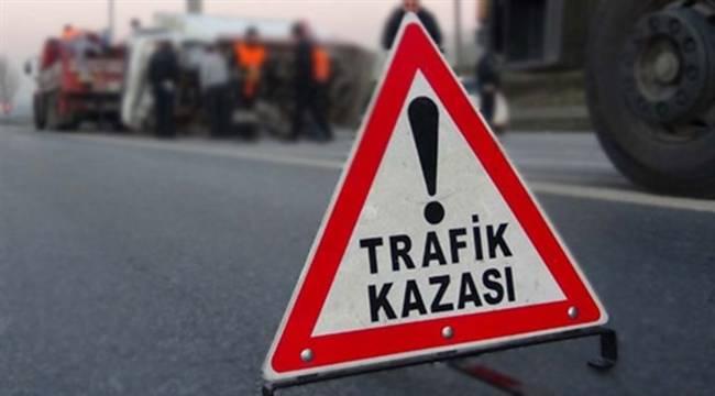 Urfa'da araçlar kafa kafaya çarpıştı, 6 yaralı