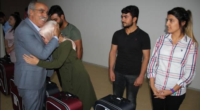 Yeni Üniversitelilere İhtiyaç valizi hediye edildi-Videolu Haber