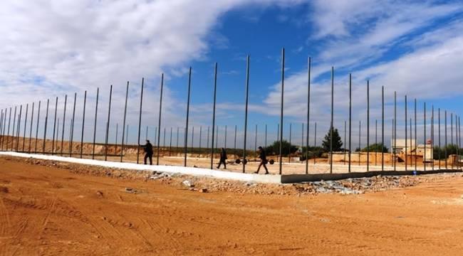 Akçakale'de Yeni Bir Halı Saha Yapılıyor-Videolu Haber