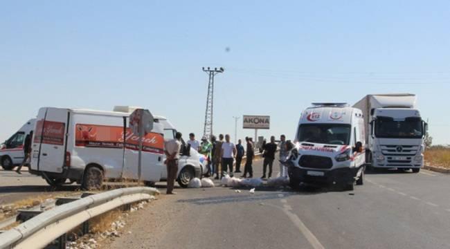 Ambulans kaza yaptı, 1 yaralı