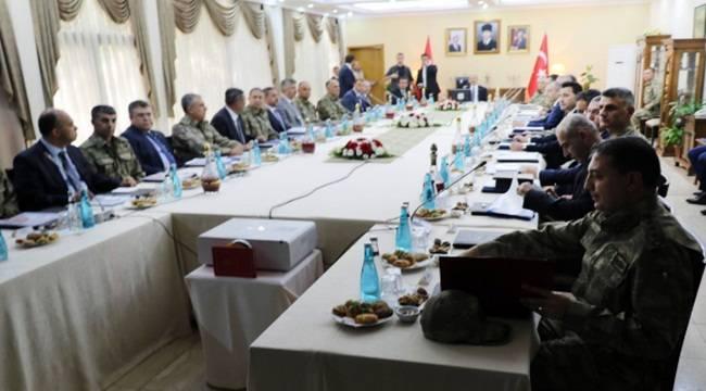 Bakan Soylu Doğu ve Güneydoğu Valileri ile Toplantı Yaptı
