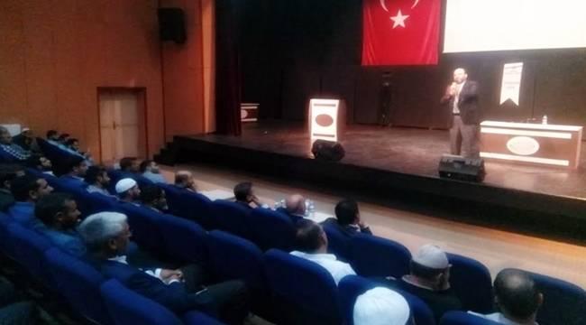 Din Görevlilerine ve Kur'an Kursu Öğreticilerine Konferans