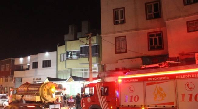 Ev yangınını ŞUSKİ ekipleri vidanjörle söndürdü