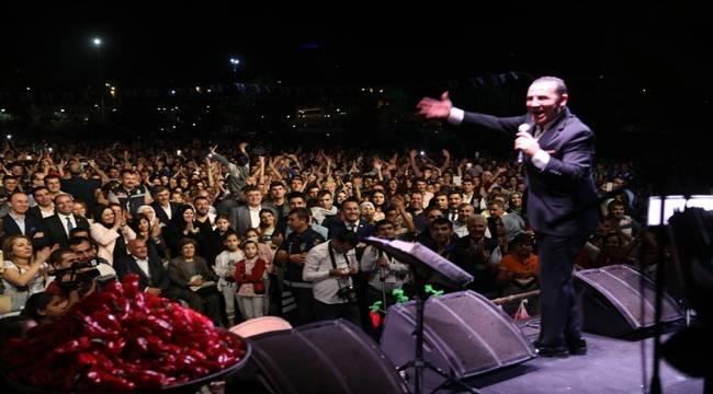 Ferhat Göçer İsot Festivali'nde Urfalıları coşturdu-Videolu Haber