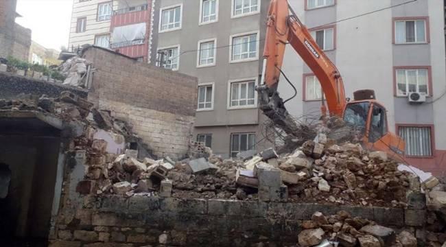 Haliliye'de 2 Bina Yıkıldı