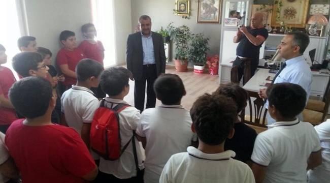Öğrenciler bilgi edinme hakkını muhtarlara sordu