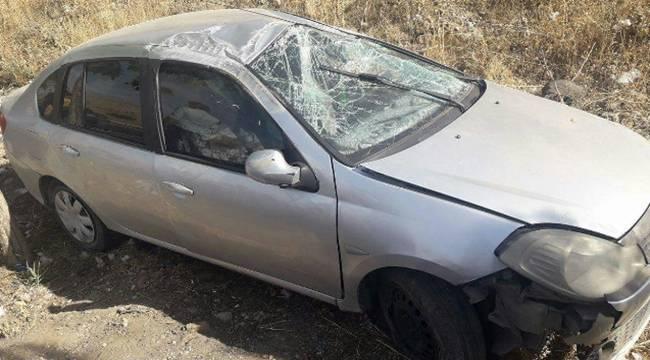 Otomobilin şarampole yuvarlandı