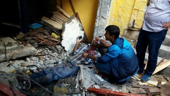 Urfa'da kolon çöktü, işçiler altında kaldı