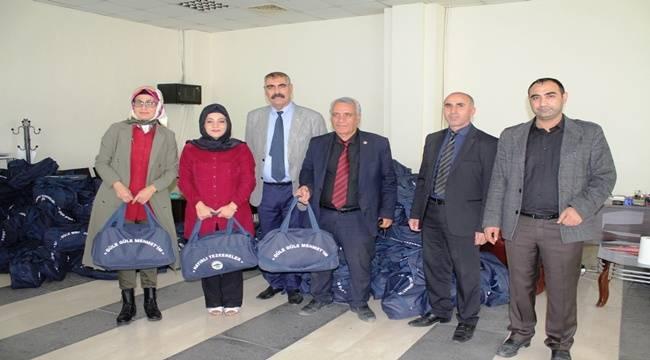 1400 Mehmetçik adayına Güle Güle Mehmedim çantası dağıtılıyor