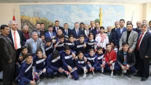 Bakan Bak 'dan Şanlıurfa Büyükşehir Belediyesine Ziyaret-Videolu Haber
