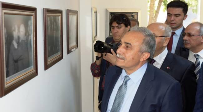 Bakan Fakıbaba, Adnan Menderes'in köyünü ziyaret etti