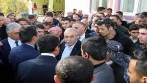 Bakan Fakıbaba,Hakkari'de Açıkladı Projeler Bedava Yapılacak