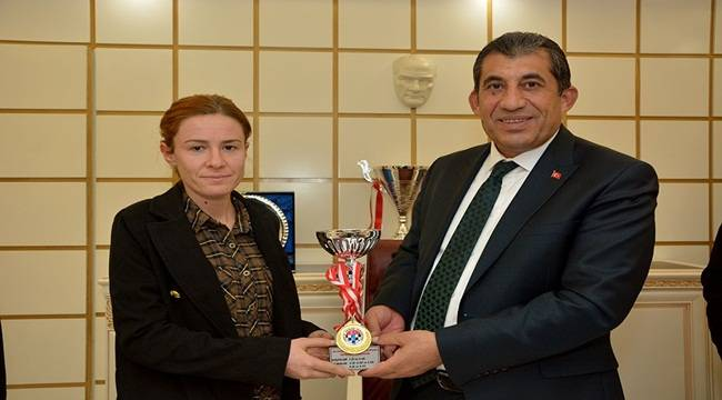 Ceylanpınar Satranç takımından büyük başarı