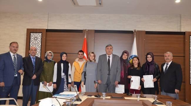 Harran Üniversitesine 1.'lik İle Yerleşenlere Kutlama Belgesi