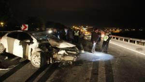 İki Araç Çarpıştı, 5 Yaralı