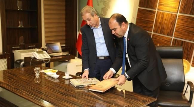 Mehdi Eker, Şanlıurfa Büyükşehir Belediyesini ziyaret etti