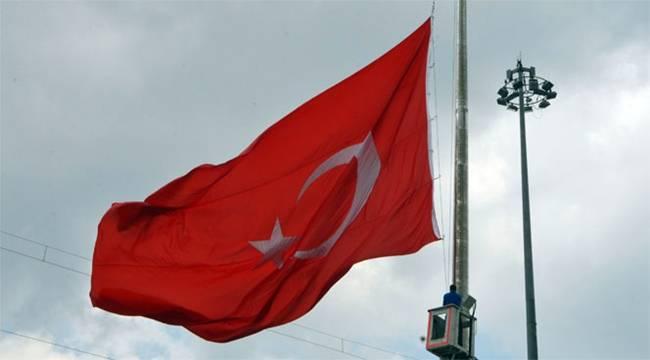 Şanlıurfa'da Bayraklar Yarıya Çekildi