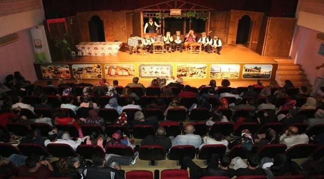 Şanlıurfa Şehir Tiyatrosu tiyatro severlerle buluştu-Videolu Haber