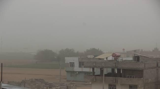 Toz bulutu Şanlıurfa'yı etkisi altına aldı