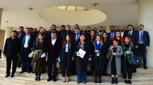 Urfa'da Avukatlar Babası Tarafından Öldürülen Kız için Toplandı