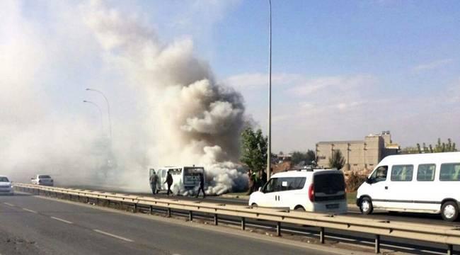 Urfa'da Cenaze Arabası Yandı