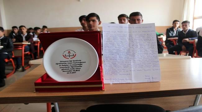 Urfalı Öğrencilerden Şehit Öğretmenin Annesine Mektup