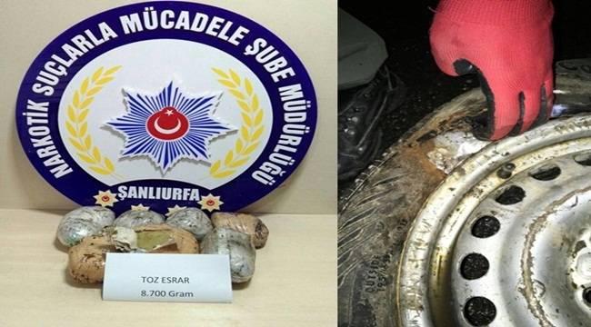 Yedek Lastikte saklı 8 Kilo 700 Gram Esrar Yakalandı