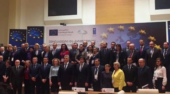 AB ve Ortakları-Güçlü Birlik İçin Çeşitlilik Konferansı başladı