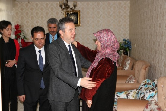 Bakan Yardımcısı Karabay'dan, şehit ailelerine ziyaret