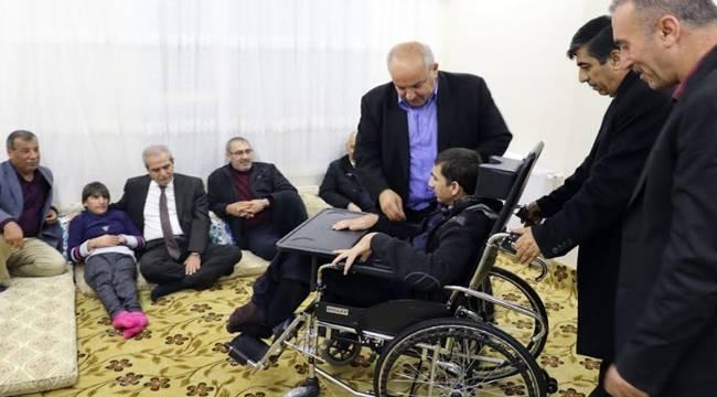 Çocukları Engelli Olan Aileye Tekerlekli Sandalye-Videolu Haber