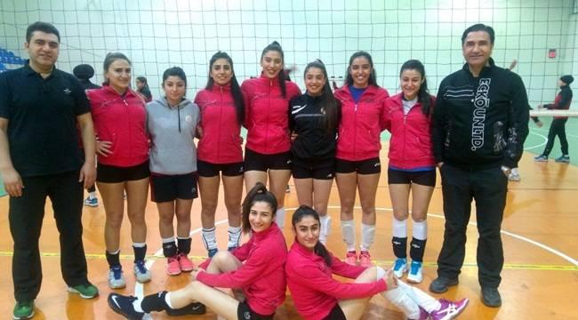 Dicle Üniversitesi Bayan Voleybol Takımı 1. Lig'de