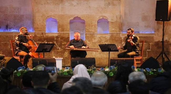 Grup Trio'dan Eyyübiyelilere Muhteşem Müzik Dinletisi- Videolu Haber