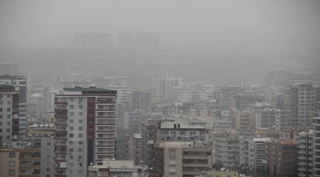 Toz Bulutu Urfa ve İlçelerinde Zor Anlar Yaşattı