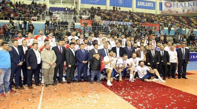 Urfa'da Oynanan Kupa Voley'in Şampiyonu Halkbank Oldu