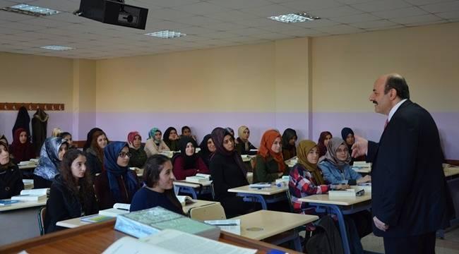 YÖK Başkanı Yekta Saraç, Harran Üniversitesinde ders verdi