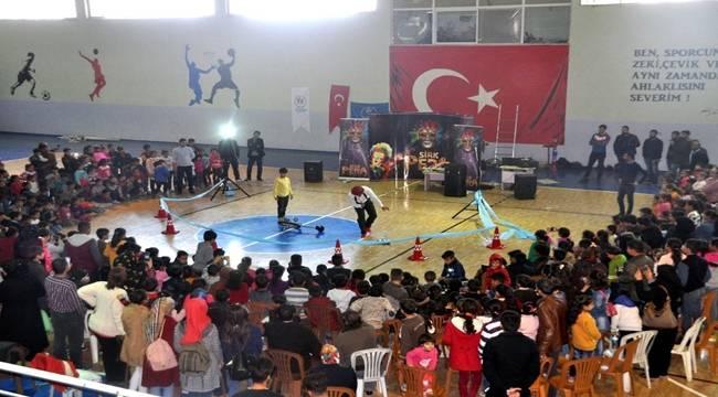 Akçakale'de Sirk Gösterisine Yoğun İlgi